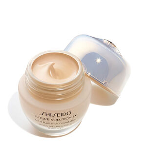 Total Radiance Foundation, 02-Golden3 - Shiseido, Fondos